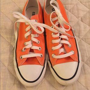 Converse women's shoes size 7